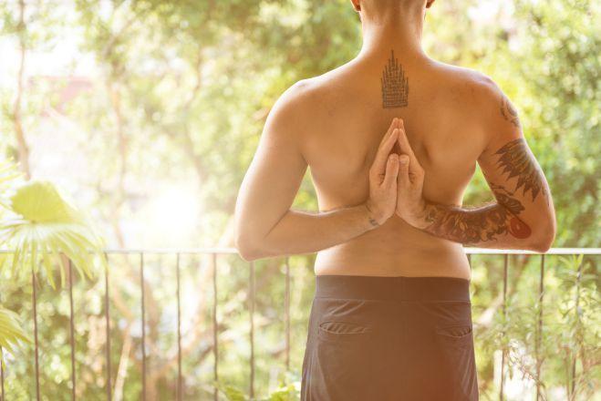 man yoga 2ewqeq