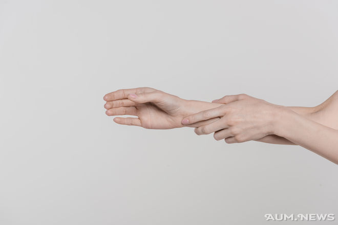 Родинка на мизинце правой руки