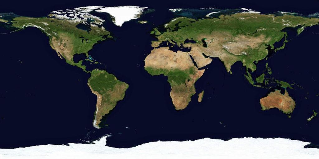 Из космоса легко видеть: там, где растут деревья, планета намного темнее, чем в районах степей, саванн и тем более пустынь. Массовые посадки сделают Землю лучше поглощающей энергию Солнца / ©NASA